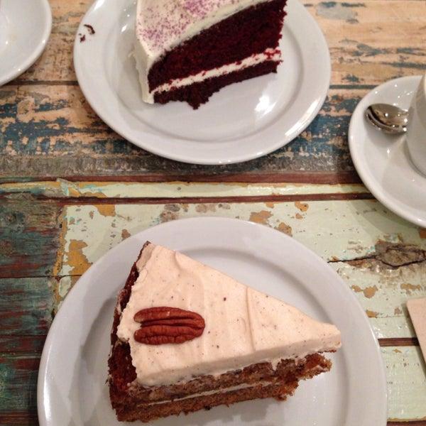 Los mejores pasteles de Barcelona! Y todos muy atentos! Just try The Velvet cake 😋