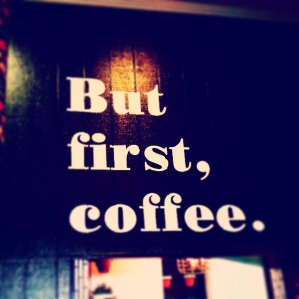 Photo prise au Alfred Coffee & Kitchen par Allen D. le1/14/2015