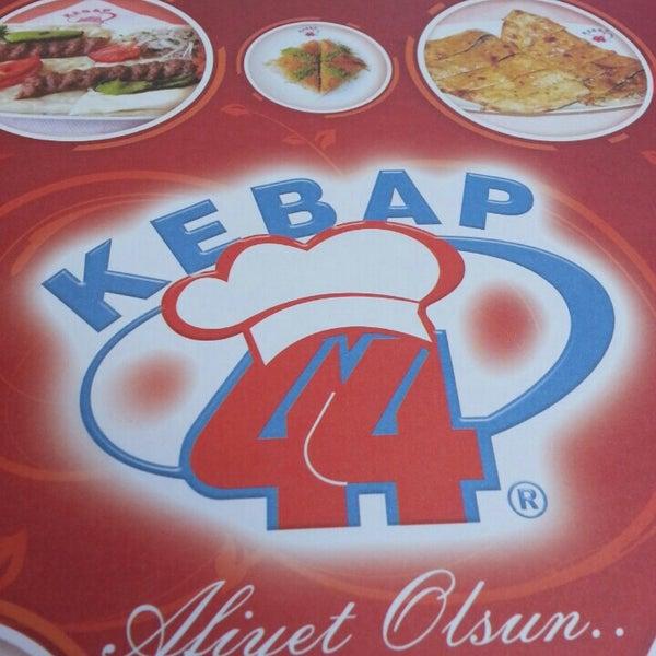 8/17/2015 tarihinde Onur Y.ziyaretçi tarafından Kebap 44'de çekilen fotoğraf