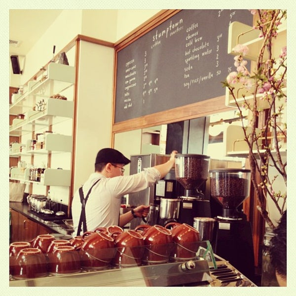 Photo taken at Stumptown Coffee Roasters by Pares T. on 4/6/2013