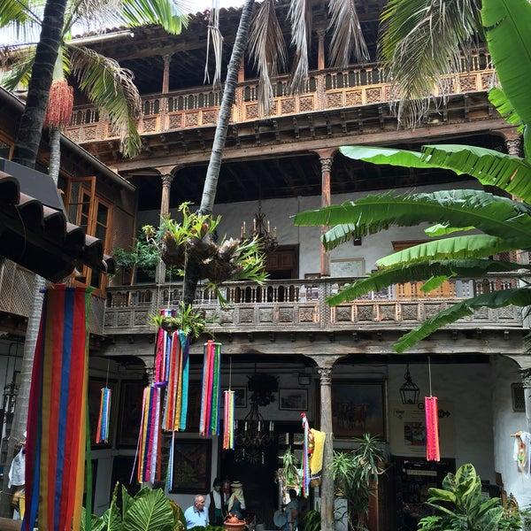 Foto tomada en La Casa De Los Balcones por Robbe Z. el 6/23/2016