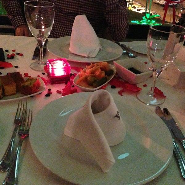 2/14/2013 tarihinde Melikeziyaretçi tarafından Foça Fish Gourmet'de çekilen fotoğraf