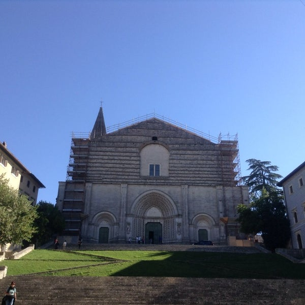 Photo taken at Basilica di San Fortunato by Orsola R. on 9/27/2014