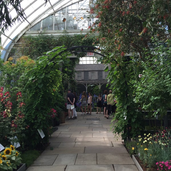 Photo taken at Enid A. Haupt Conservatory by Anna R. on 6/19/2016