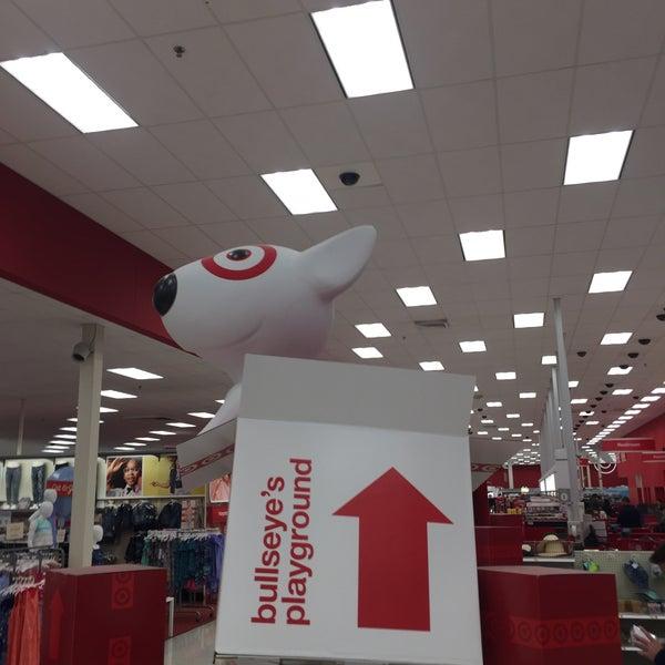 Photo prise au Target par Tracy S. le4/23/2017
