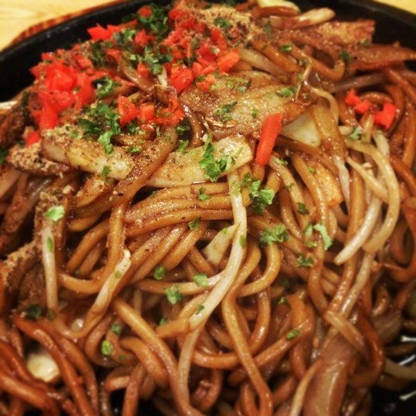 4/6/2013にウシくんが焼きそばのまるしょう 豊四季本店で撮った写真