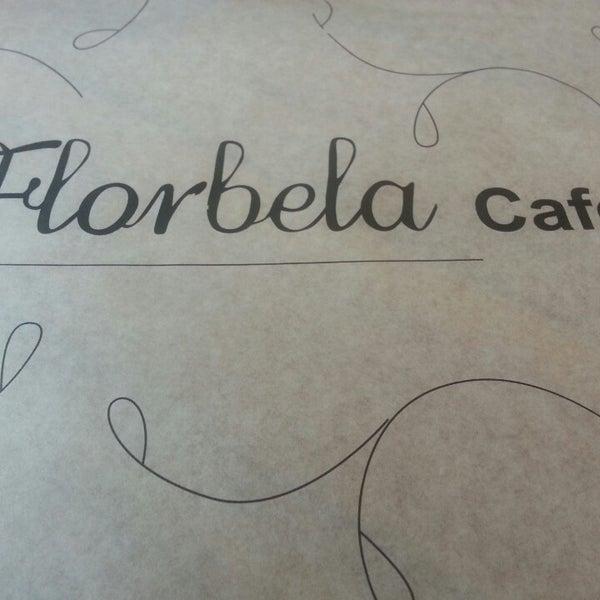 Foto tirada no(a) Florbela Café por Luis M. em 8/24/2014