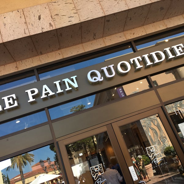 Photo taken at Le Pain Quotidien by hoda007 on 8/13/2017