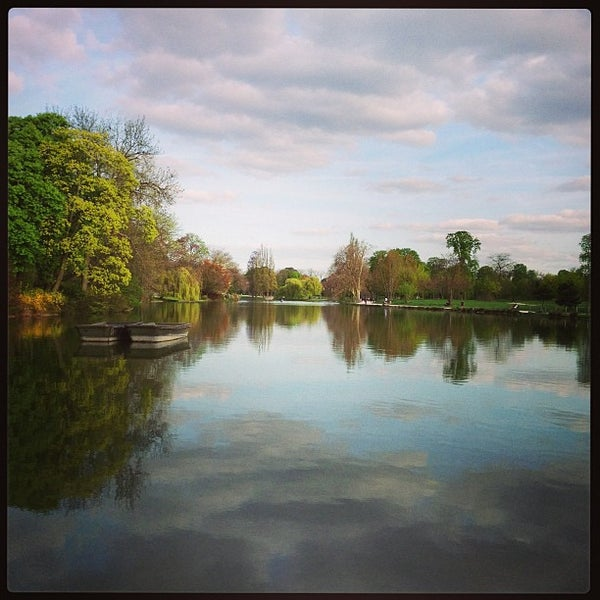Photo taken at Lac Daumesnil by Pat D. on 4/22/2013