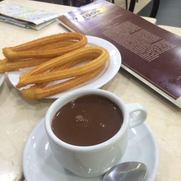 Снимок сделан в Churrería Los Artesanos 1902 пользователем Burcu O. 3/7/2016