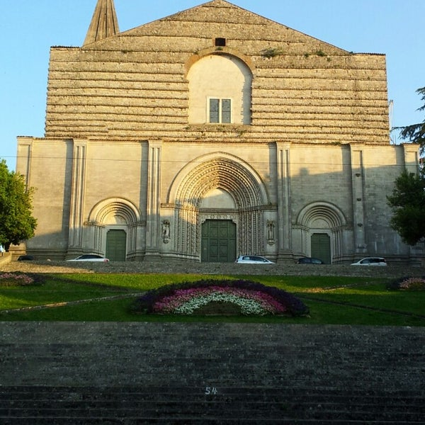 Photo taken at Basilica di San Fortunato by Iolanda T. on 6/3/2014