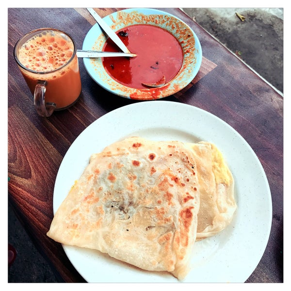 Local people style... makan roti canai with teh tarik di tepi jalan....u can request without the chicken or else u will b serve with the regular set