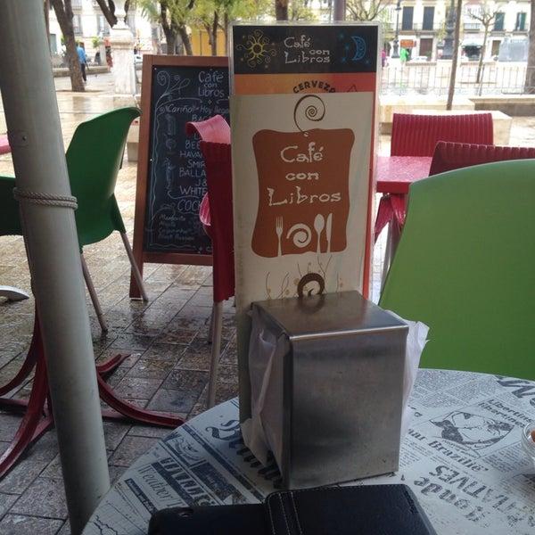 4/2/2014 tarihinde Carolinaziyaretçi tarafından Café con Libros'de çekilen fotoğraf
