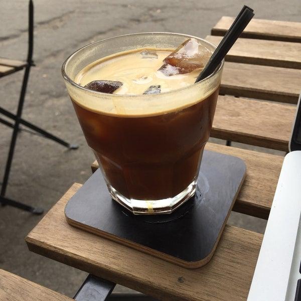 Снимок сделан в First Point Espresso Bar пользователем Ivanye T. 6/17/2017