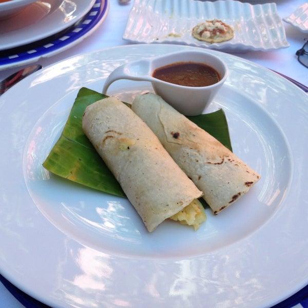 Foto tomada en Catedral Restaurante & Bar por Raul C. el 3/18/2013