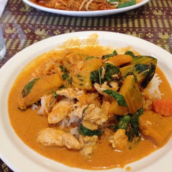 Foto tomada en Naung Mai Thai Kitchen por Juan M. el 9/1/2014