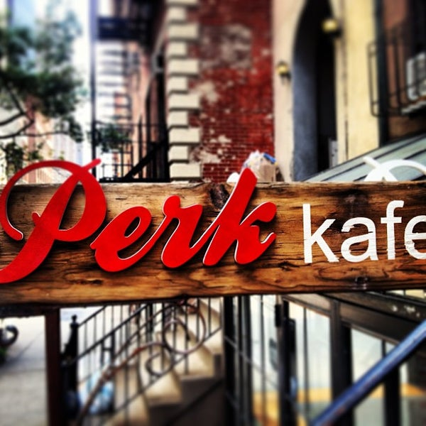 Foto tomada en Perk Kafe por Dave B el 7/5/2013