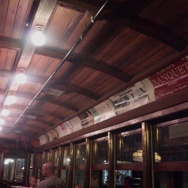 Photo taken at Spaghetti Warehouse by shannon t. on 2/19/2013