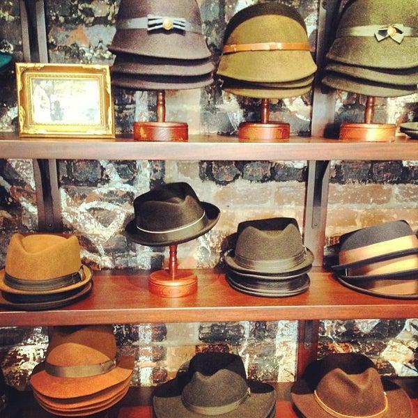 Снимок сделан в Goorin Bros. Hat Shop - West Village пользователем Marquis B. 8/2/2013