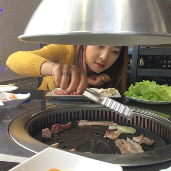 Снимок сделан в Korean BBQ гриль пользователем Анастасия К. 1/23/2016