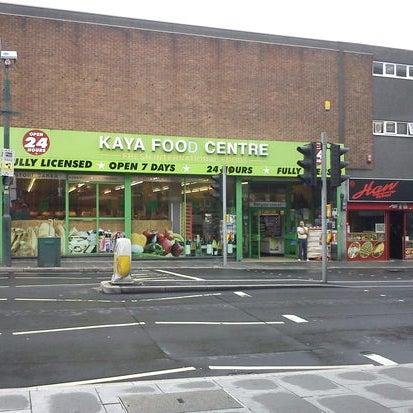 Foto scattata a Kaya Food Centre da University of Nottingham il 4/22/2013