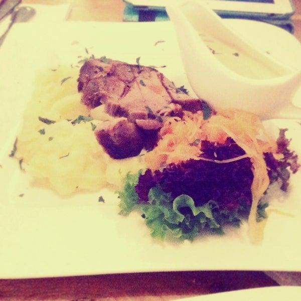 Снимок сделан в Admiral Restaurant пользователем Анна Мария Дэ Луиза В. 4/30/2014