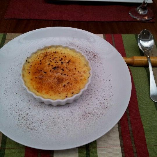 Restaurante ótimo, comida deliciosa, um bom serviço e bem decorado. Dica: Picadinho Demi - Glace e de sobremesa o Crème Brullée. Gostei muito dessa experiência gastronómica.