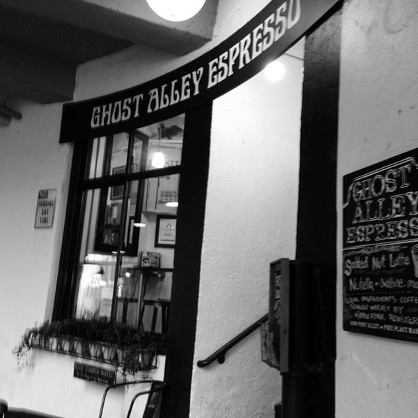 Photo taken at Ghost Alley Espresso by Jimmy S. on 7/25/2014