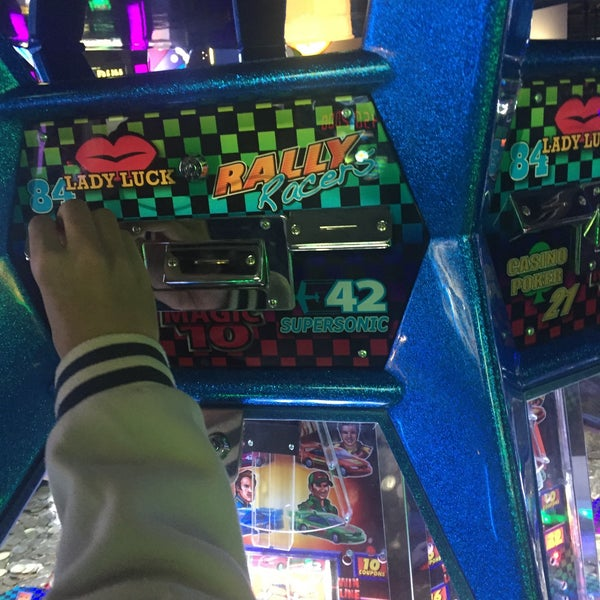 Photo taken at Dave & Buster's by bamchnn on 3/15/2016