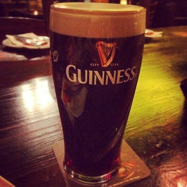 Das Foto wurde bei Fiddlers Irish Pub von Inkatsz am 11/16/2013 aufgenommen
