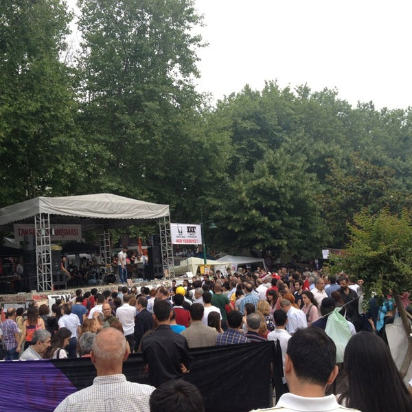 6/7/2013にAKIN S.がTaksim Gezi Parkıで撮った写真