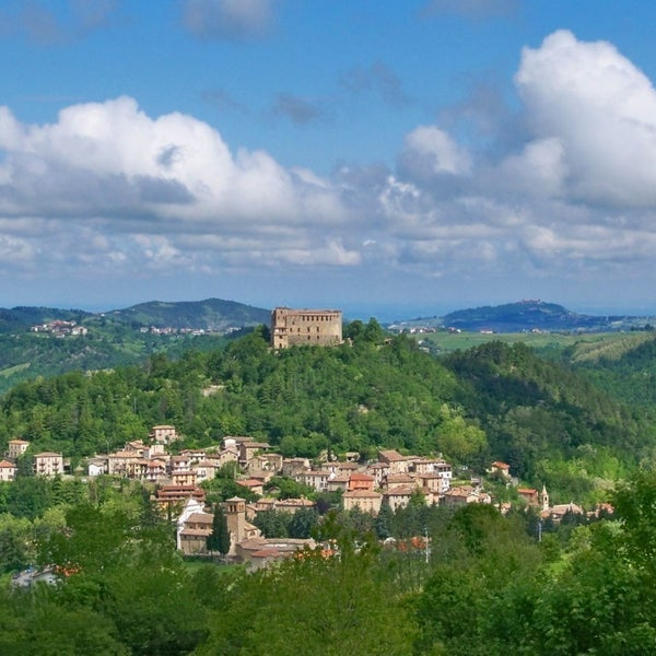 Foto scattata a Castello di Zavattarello da Castello di Zavattarello il 4/19/2014