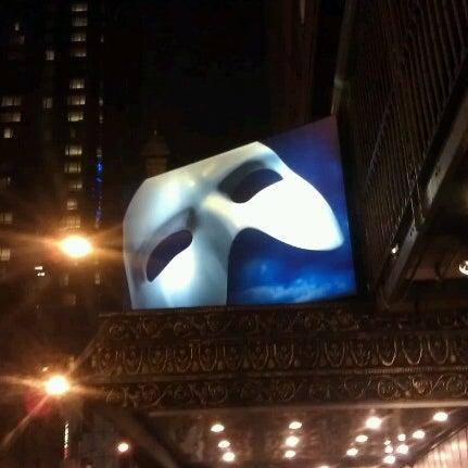 Foto tirada no(a) Majestic Theatre por Vicki A. em 12/22/2012