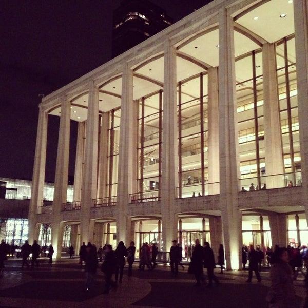 2/13/2013にAmy W.がLincoln Center for the Performing Artsで撮った写真