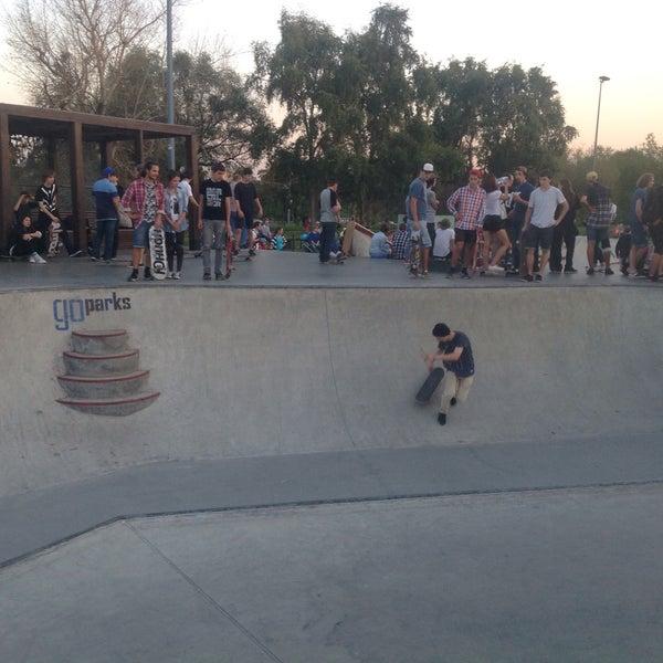 Das Foto wurde bei Скейт-парк «Садовники» von Kirill M. am 9/26/2015 aufgenommen