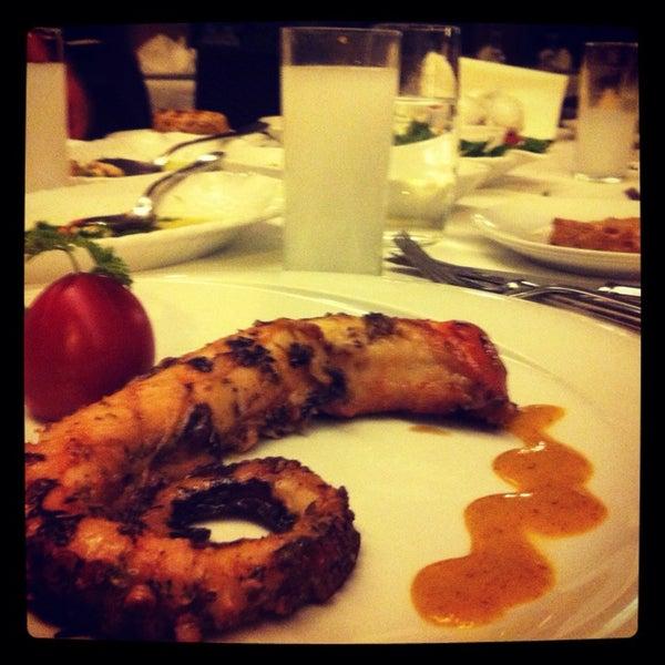 11/5/2013 tarihinde Cagatay C.ziyaretçi tarafından Kalkan Balık Restaurant'de çekilen fotoğraf