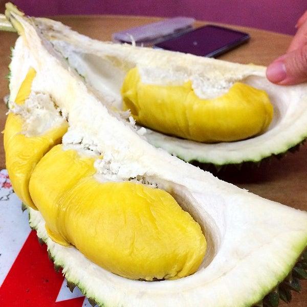"""Photo prise au """"Combat"""" Top Quality Durian par Sue-Anne C. le6/16/2015"""