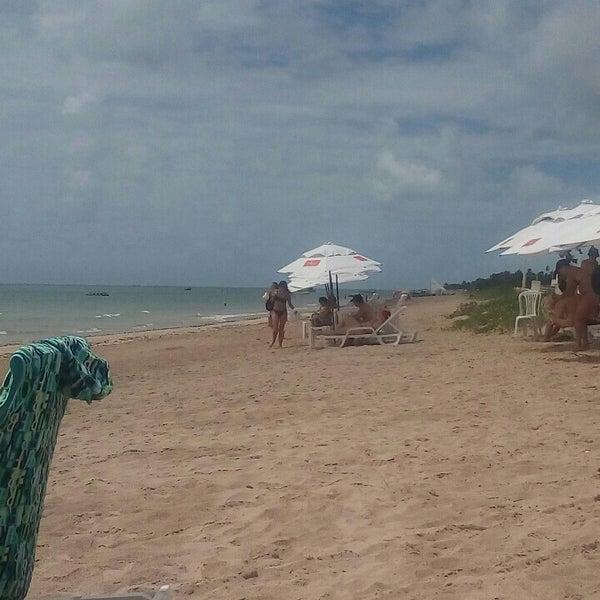Foto tirada no(a) Praia de São Miguel dos Milagres por Nil G. em 1/22/2017