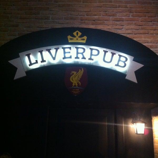 Foto tirada no(a) Liverpub Vitória por Liverpub Vitória em 1/20/2015