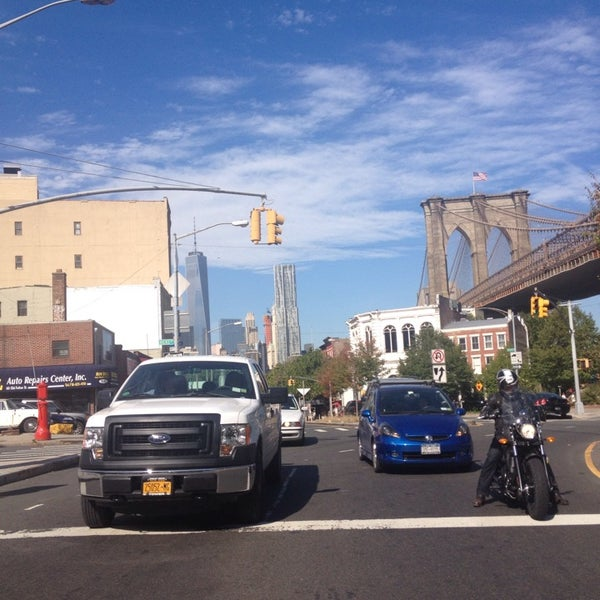 Photo taken at Hamilton Avenue Bridge by Паша Г. on 10/9/2014