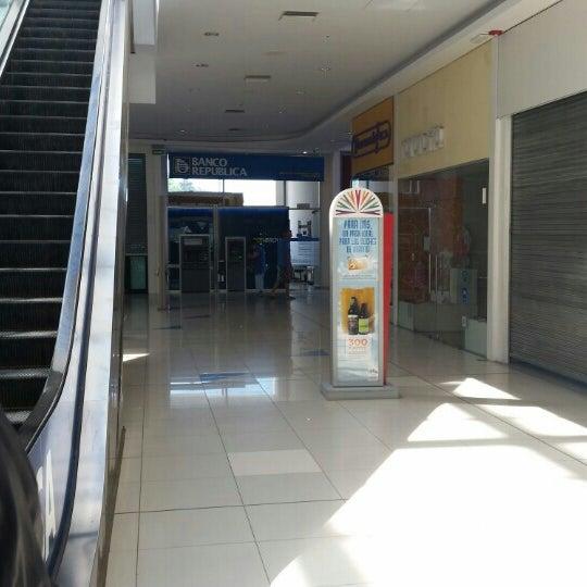 Foto tomada en Costa Urbana Shopping por Carlos P. el 1/19/2016