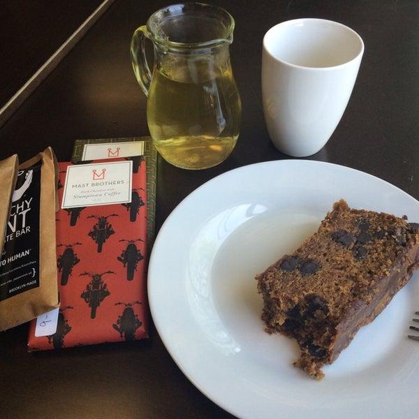 Foto scattata a Madame Zuzu's Tea House da Nadia R. il 8/5/2014