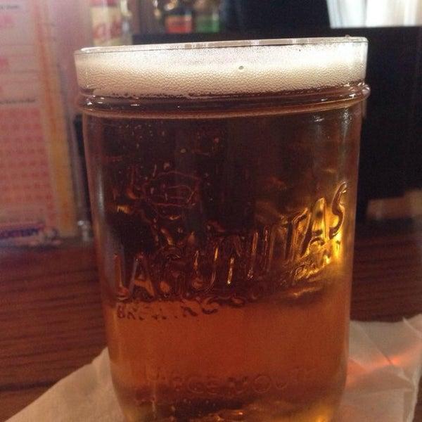 Foto diambil di Hunter's Grille & Tap @ The Grafton Inn oleh Richard P. pada 8/7/2014