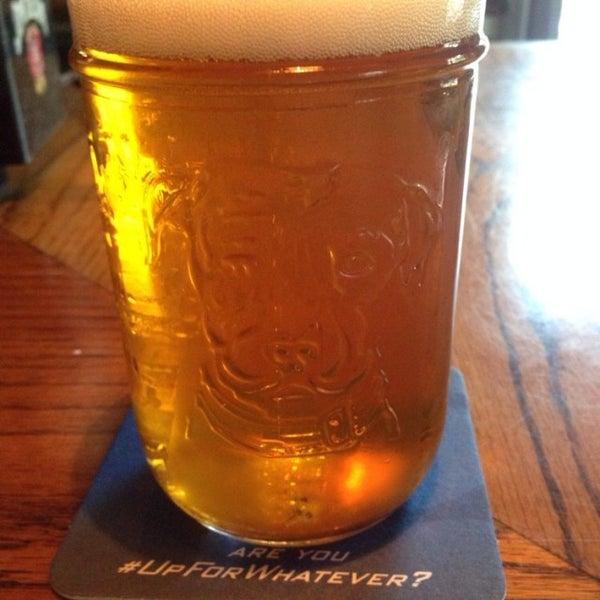 Foto diambil di Hunter's Grille & Tap @ The Grafton Inn oleh Richard P. pada 9/19/2014