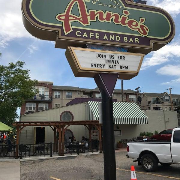 Снимок сделан в Annie's Cafe & Bar пользователем RunAway B. 5/31/2017