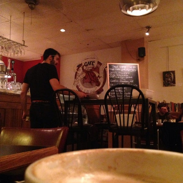 9/17/2014 tarihinde Isabelle L.ziyaretçi tarafından Café Lézard'de çekilen fotoğraf