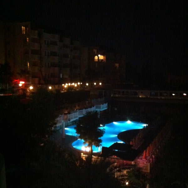 Photo prise au Club Paradiso Hotel & Resort par Harri S. le6/23/2013