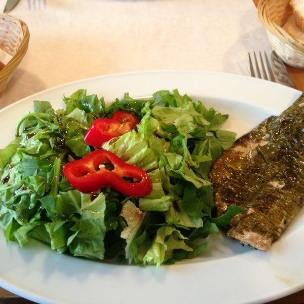 Photo taken at Sıdıka Meze Restoranı by Pervin I. on 1/25/2013