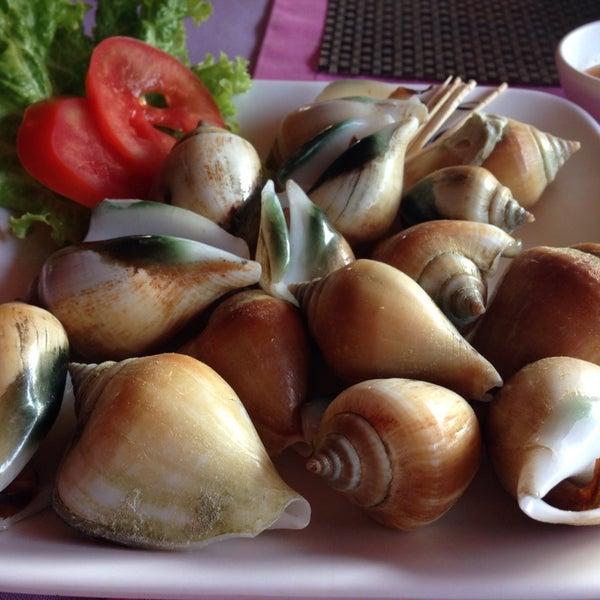 Снимок сделан в Tanta's Thai Restaurant пользователем Oat Y. 12/25/2013