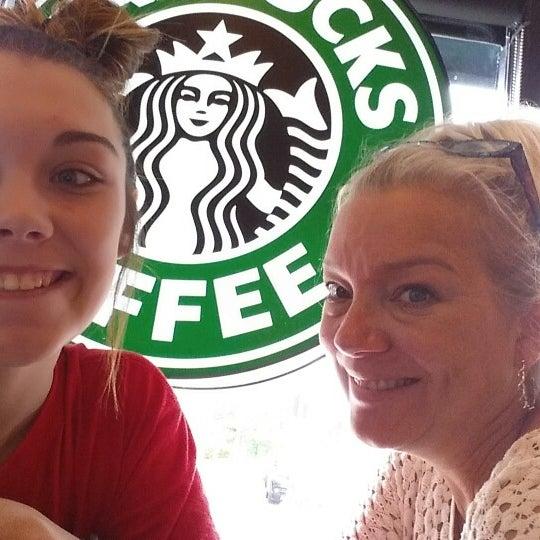 Photo taken at Starbucks by 🍷 Michelle &. on 5/10/2015